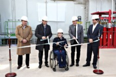 Michetti present� la nueva turbina junto al gobernador de Neuqu�n, Omar Guti�rrez, y el presidente de la empresa Pampa Energ�a, Marcelo Mindlin.