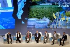Guti�rrez comparti� el panel �La riqueza de las regiones de Argentina� con otros gobernadores.