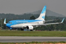 En Neuqu�n, dos vuelos de la compa��a nacional fueron cancelados.
