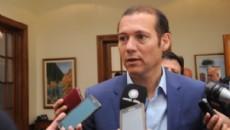 Omar Guti�rrez firm� este lunes en Buenos Aires un importante acuerdo con Naci�n.